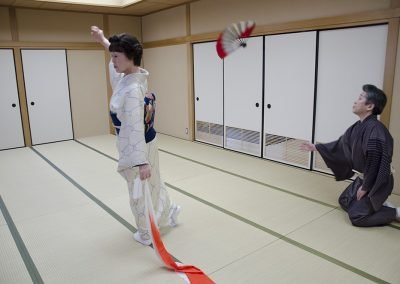 元歌舞伎役者である先生が後見としていつもサポートする