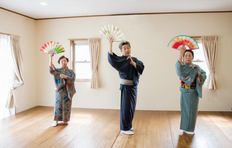 日本舞踊 団体稽古
